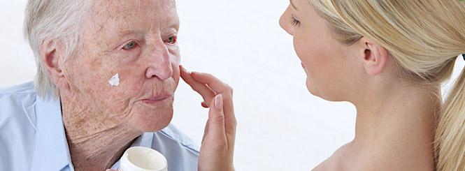 senioren hilfe - Ich suche nach einer Betreuerin mit medizinischer Erfahrung.